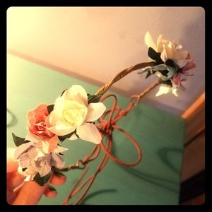 Accessories - NWOT Floral Headband